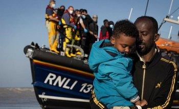 Un grupo de migrantes llegando a la playa de Dungeness, Inglaterra, el 7 de septiembre.