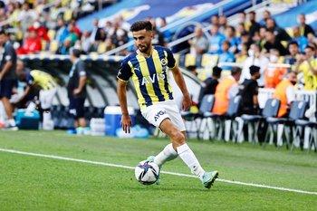 Diego Rossi en su debut en Fenerbahce de Turquía