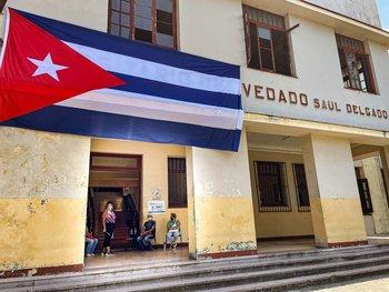 Hay cubanos que emigran de la isla y llegan a Uruguay a través de redes de tráfico de presonas