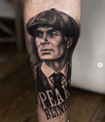 El tatuaje de Peaky Blinders que se hizo Andrés D