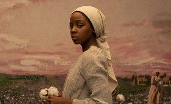 "Cora Randall (Thuso Mbedu), protagoniza ""The Underground Railroad"""