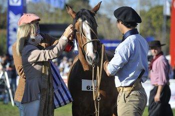 Argimón coronó a la Gran Campeona de la raza Criollos.