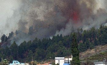 Imágenes del volcán en erupción en La Palma
