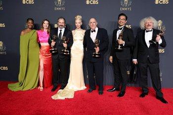 El equipo de Gambito de Dama, una de las grandes triunfadoras de los Emmy
