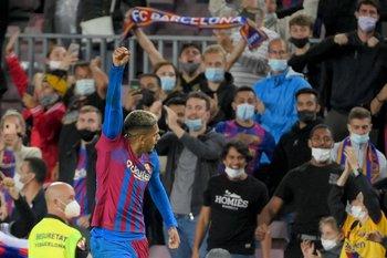 El Camp Nou de pie