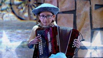 el niño acordeonista Enzo Castro es el ganador del concurso