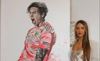La artista Carina Soares y su obra