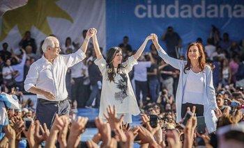 La diputada Vallejos es cercana a la actual vicepresidenta, Cristina Fernández (derecha)