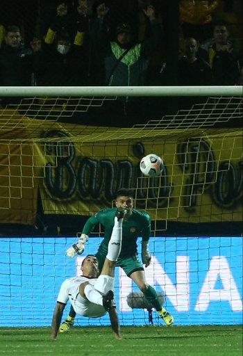 La chilena perfecta de David Terans para convertir el 1-0, al minuto de juego; Dawson no pudo hacer nada