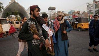 Talibanes patrullando en la ciudad de Herat el pasado 10 de setiembre