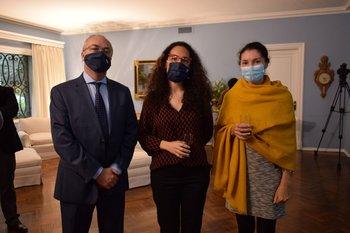 Ricardo Rius, Farah Colasseau y Sarah Touquette