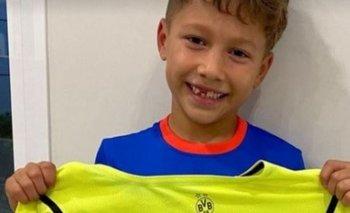 El hijo de Luis Suárez recibió la camiseta firmada del noruego Erling Haaland
