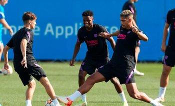 Gavi, Ansu Fati y Araújo en un entrenamiento de Barcelona