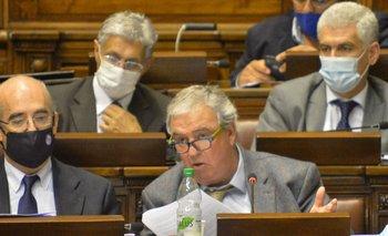 El ministro, que asumió en Interior hace poco más de cuatro meses, será interpelado por segunda ocasión desde que asumió el gobierno de Lacalle