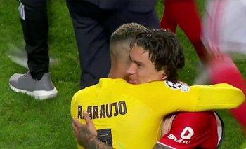 El abrazo final de Núñez y Araújo