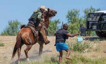 Medidas represivas en la frontera de Texas frente a los migrantes haitianos