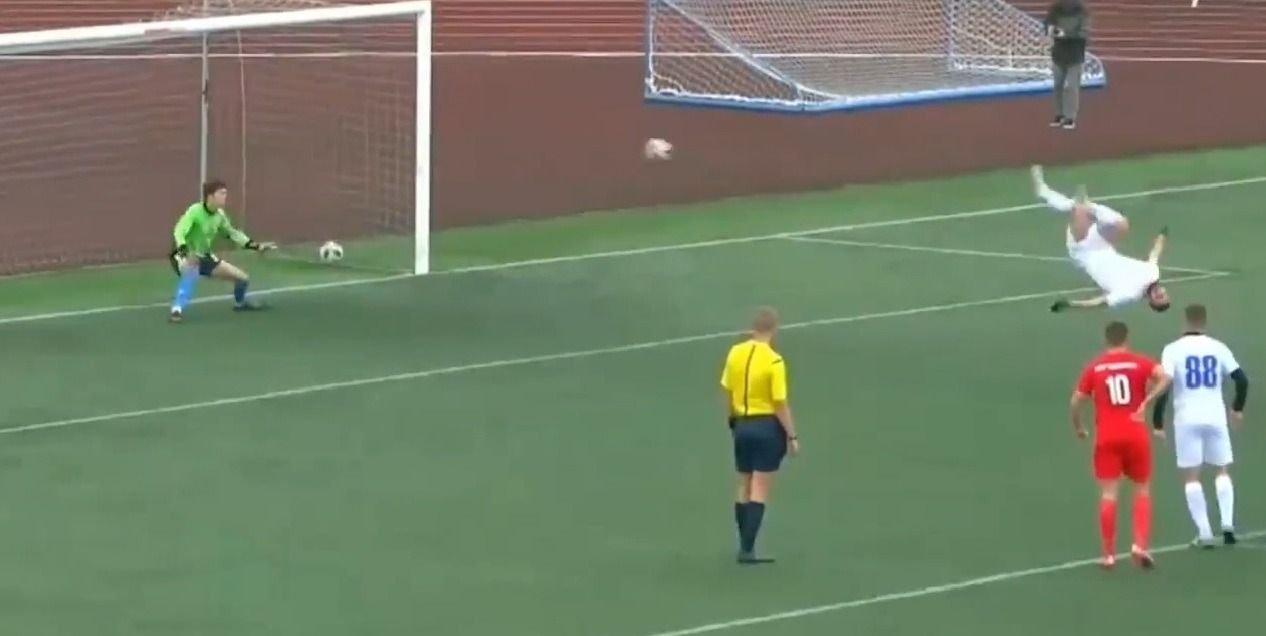 La increíble acrobacia de Norik Avdalyan al marcar de tiro penal