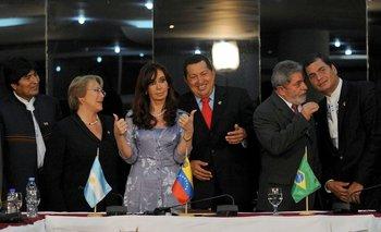 Tabaré Vázquez, Evo Morales, Michelle Bachelet, Cristina Fernández, Hugo Chávez, Lula y Rafael Correa, en setiembre de 2009, cuando la creación del malogrado Banco del Sur