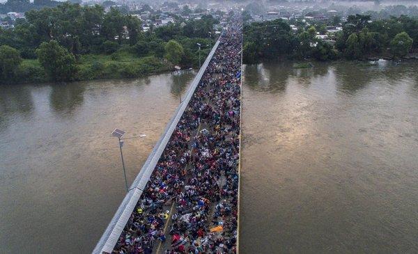 Las historias detrás de la caravana de hondureños que intenta llegar a EEUU