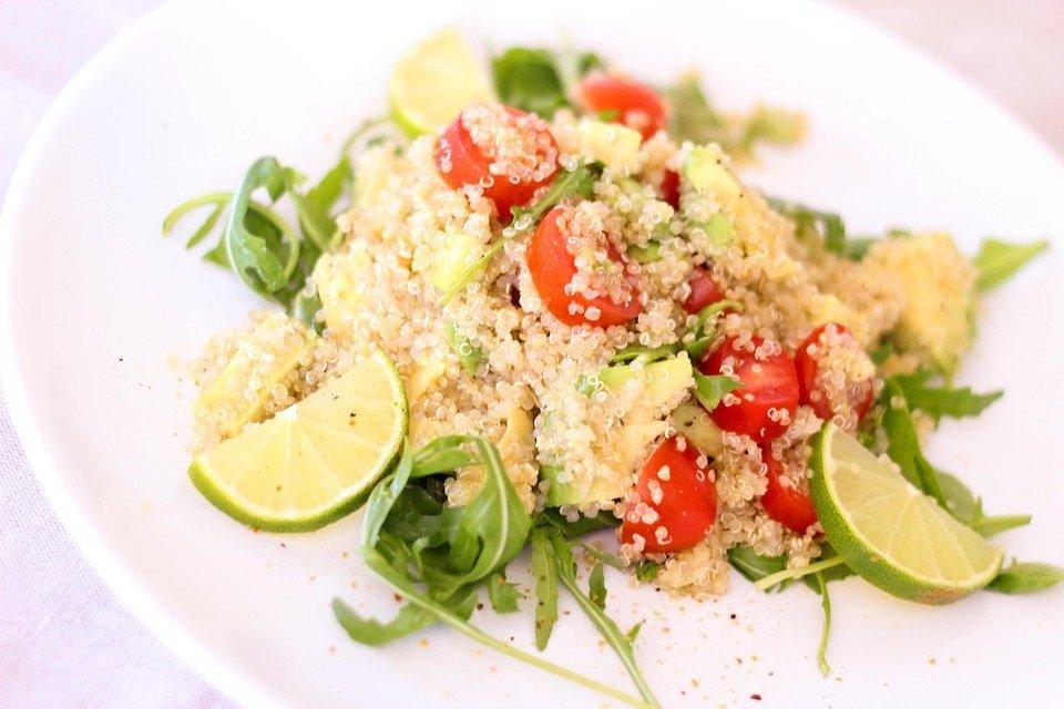 Ensalada de quinoa y rúcula.