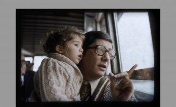 Serena Zitarrosa y su padre, Alfredo. Delta del Tigre, Buenos Aires. Año 1976.