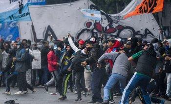 Una protesta en las afueras del Congreso argentino a fines de octubre, cuando se votaba el presupuesto