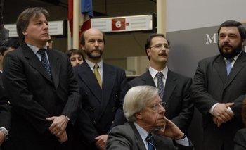 Danilo Astori y parte de su equipo, en setiembre de 2008
