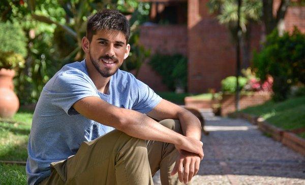 Bruno Méndez es el sustituto de Diego Godín en la selección