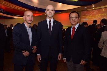 Martin Pérez, Antonio Carambula y Yimeng Duan