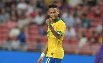 Neymar en su partido 100 con Brasil