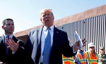 """""""Construye el muro"""", sigue siendo una especie de himno popular en los mítines de Trump."""
