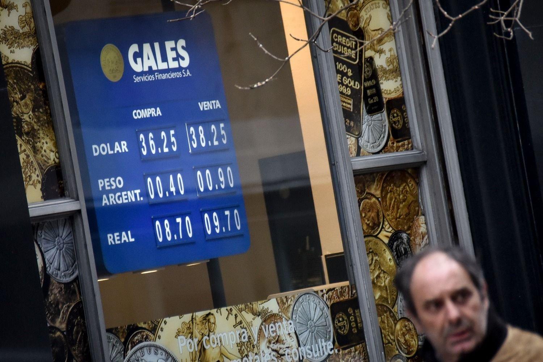 El dólar avanzó 42 centavos durante la semana - Actualidad