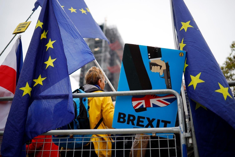 Johnson busca adelantar elecciones si se aplaza el brexit