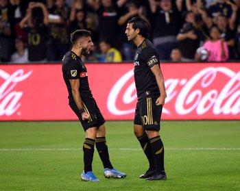 El festejo de Diego Rossi y Carlos Vela para Los Ángeles