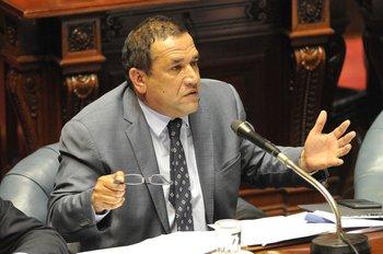 """El senador blanco Sebastián Da Silva pidió al Ministerio de Ganadería que borrara un tuit en el que hablaba de """"carne sintética"""""""