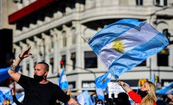 Argentina sufre por una recesión económica agravada por la pandemia y el confinamiento obligatorio extendido