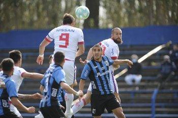 Nacional tendrá la vuelta de Gonzalo Bergessio ante Liverpool