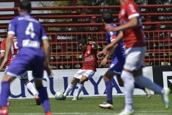 Andrés Rodales en desdoble ofensivo