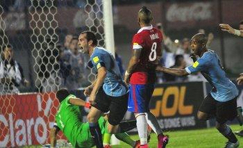 Última vez en el Centenario por Eliminatorias, Uruguay 3-0, gol de Godín