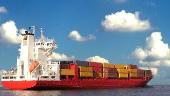La idea es fomentar los canales aéreos y marítimos