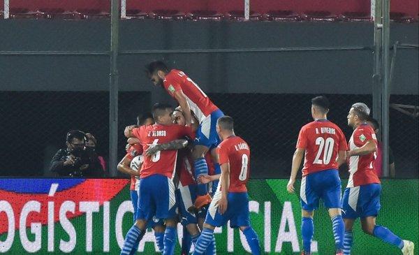 Venezuela busca recuperarse y Paraguay sumar de visitante