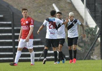 Victorino, Paiva y Piñeiro tras el empate