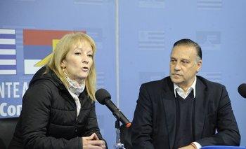 La intendenta electa Carolina Cosse y el presidente de la Departamental de Montevideo, Carlos Varela