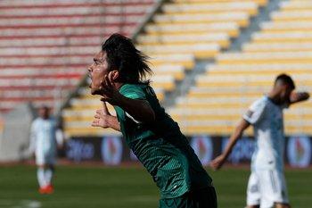 Marcelo Martins, 1-0 de cabeza