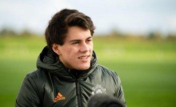 Facundo Pellistri en su primer entrenamiento en Manchester United