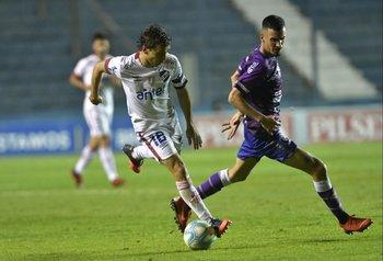 Fernández maniobra ante Souza