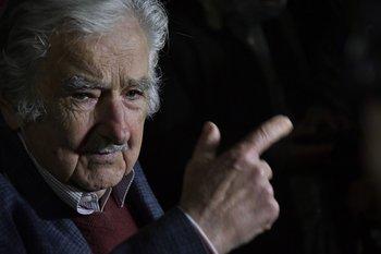 """Mujica opinó que tanto Astori como Sendic cometen un error """"mayúsculo"""""""