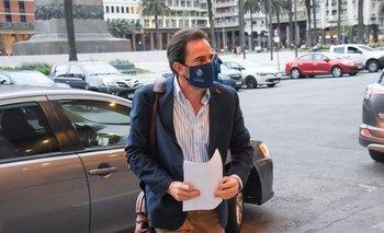 El ministro de Turismo, Germán Cardoso, llega a una reunión del Consejo de Ministros. Foto archivo.