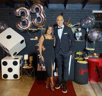 Nahuelpán con su pareja cuando cumplió 33