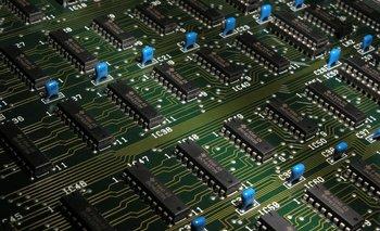 Los semiconductores son el insumo básico para generar dispositivos tecnológicos.